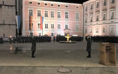 Öffentliches Gelöbnis am Schlossplatz